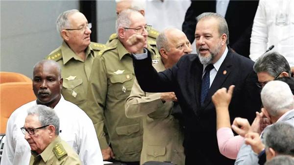 43年,古巴终于又有了总理!玩起推特来,一点不输特朗普