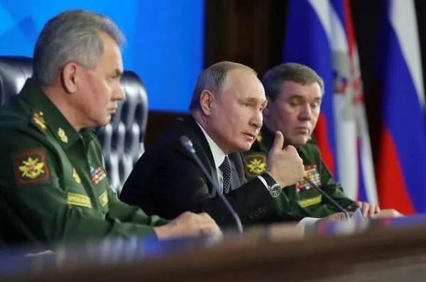"""俄罗斯""""高超音速长剑""""出鞘!普京很满意,美国人真·头痛"""