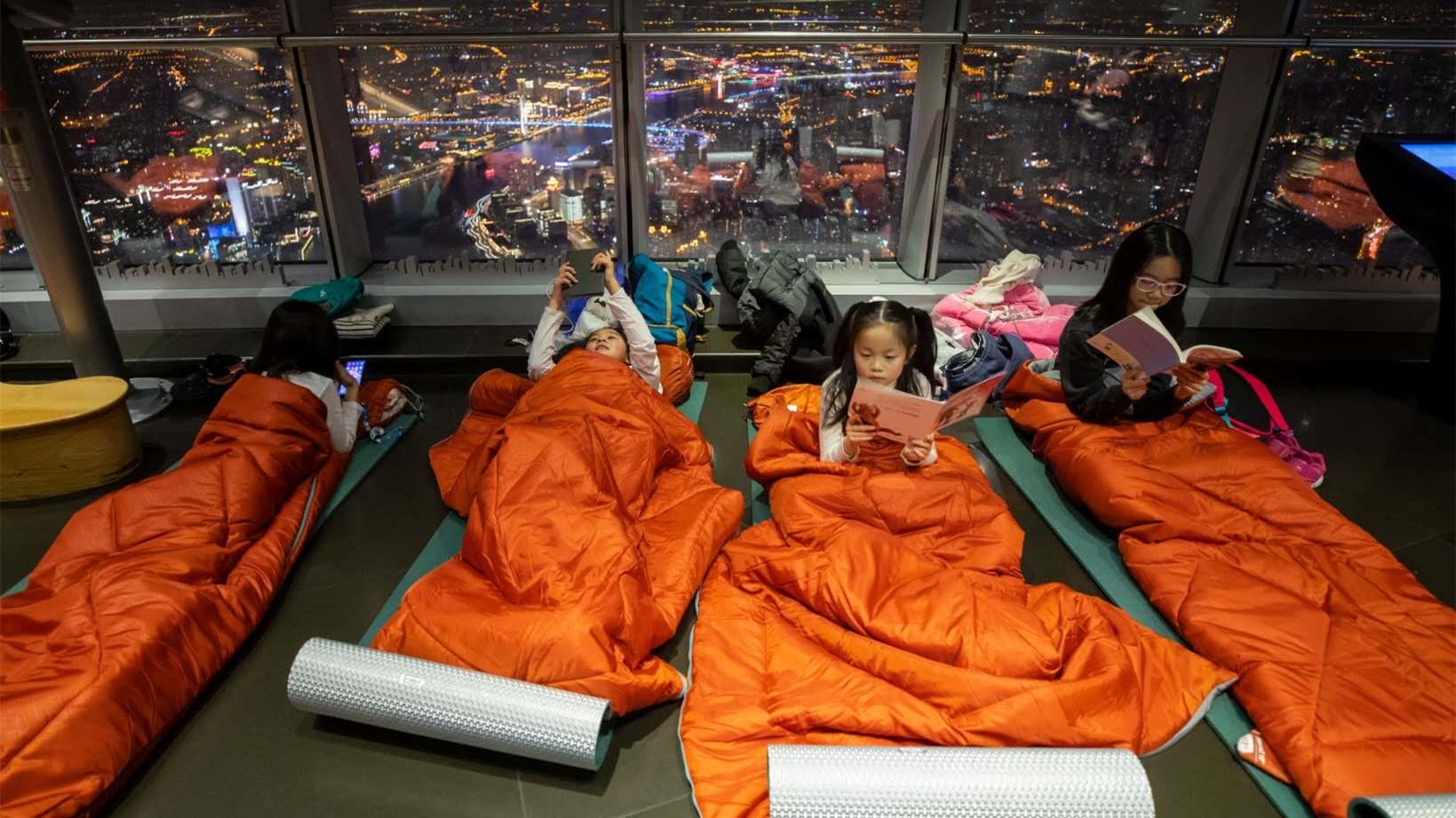 视频 夜宿云端 在上海之巅迎新年是什么体验?