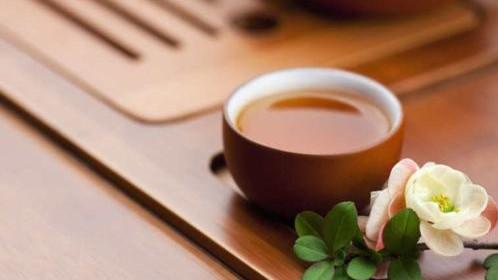 """晨读 """"刚刚"""",带余温的茶盏"""