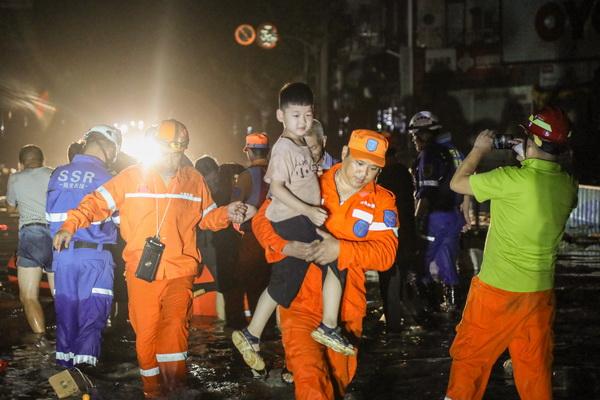 新民晚报摄影记者2019年度图集·王凯