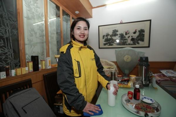 93年的女青年为何义无反顾在上海从事家政保洁服务?