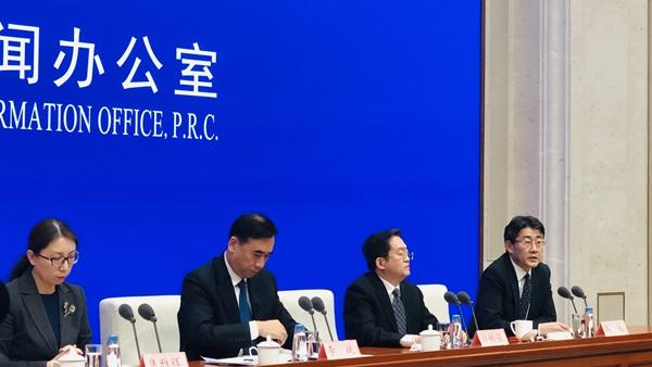 英国一大学研究称预计有2000人在中国受到感染?中国疾病预防控制中心回应