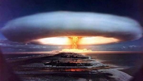 人类距离末日又近一步?美国官宣新式核武器,威力虽小却让地球更危险!