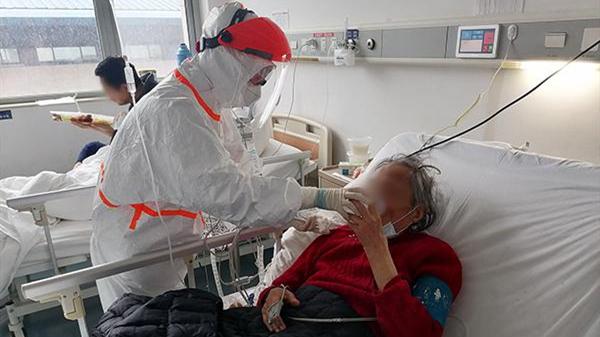 武汉重症病房里:上海医疗队和患者的故事