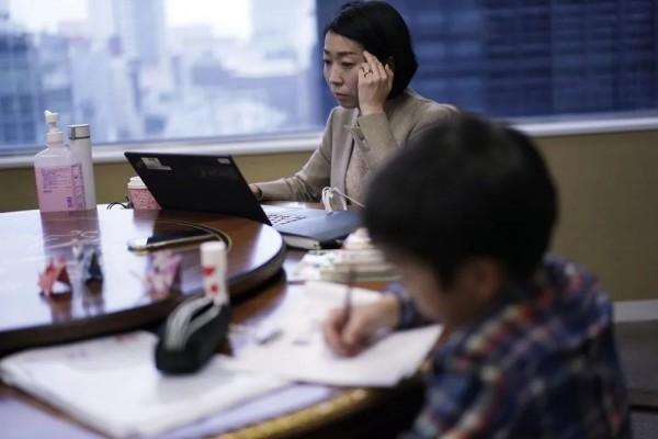 """""""神兽""""、老公、老板…都要兼顾!疫情中的日本职业女性:我好难"""