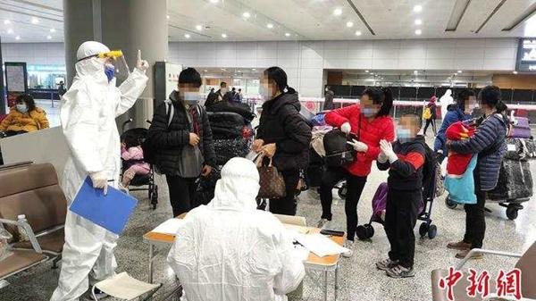 浙江丽水派出166人赴10个机场口岸接站服务归国华侨