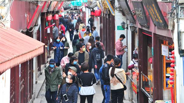 视频   七宝老街昨起重开放 美景+美食吸引游客