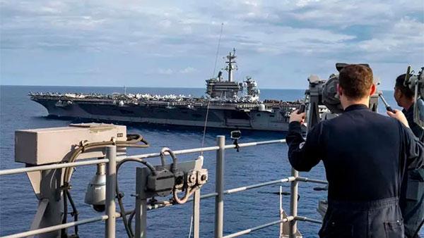 """""""罗斯福""""号撞沉海军部长!一出""""海上惊悚片""""缘何变成""""特朗普宫斗剧""""?"""