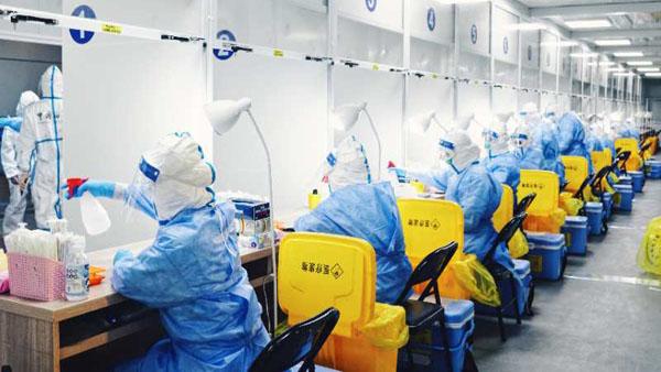 上海海关核酸检测方舱采样室今天在浦东机场投入使用
