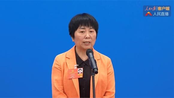 """上海""""小巷总理""""走上""""代表通道"""":社区小社会搞好了,大社会就稳定了!"""