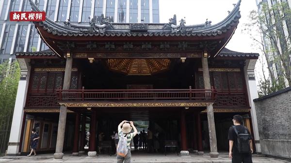 视频|首次对公众开放!上海市民顶着酷暑参观这两处文物建筑