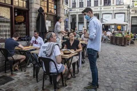 拉小团体、耍大牌抢C位…重启旅游业,欧洲各国打开宫斗模式?