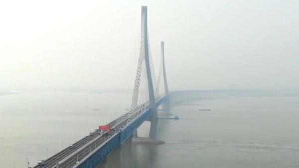 视频 | 航拍即将通车的沪苏通长江公铁大桥,有被美到!