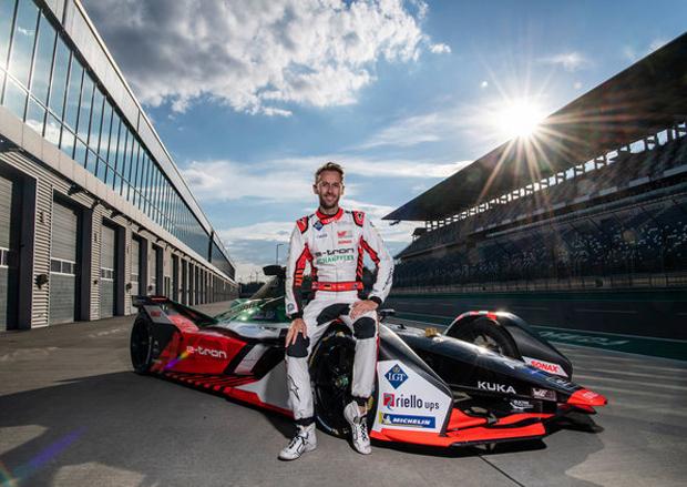 新晋车手René Rast 首次驾驶奥迪Formula E赛车