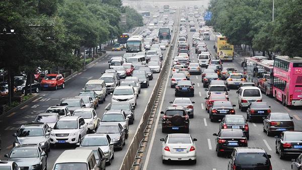 全国机动车驾驶人达4.4亿,你有驾照没?