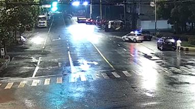 视频   上海一男子酒驾追尾 上演拙劣顶包戏码