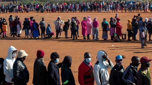非洲新冠肺炎确诊病例超百万,或致大量人口失业陷入极端贫困