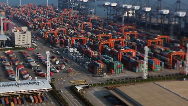 有买有卖实属正常  长江实业从未计划离开中国