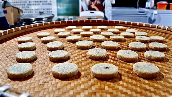 上海市区老牌游乐园变身吃货圣地!一天吃遍14座城市100多样美食!