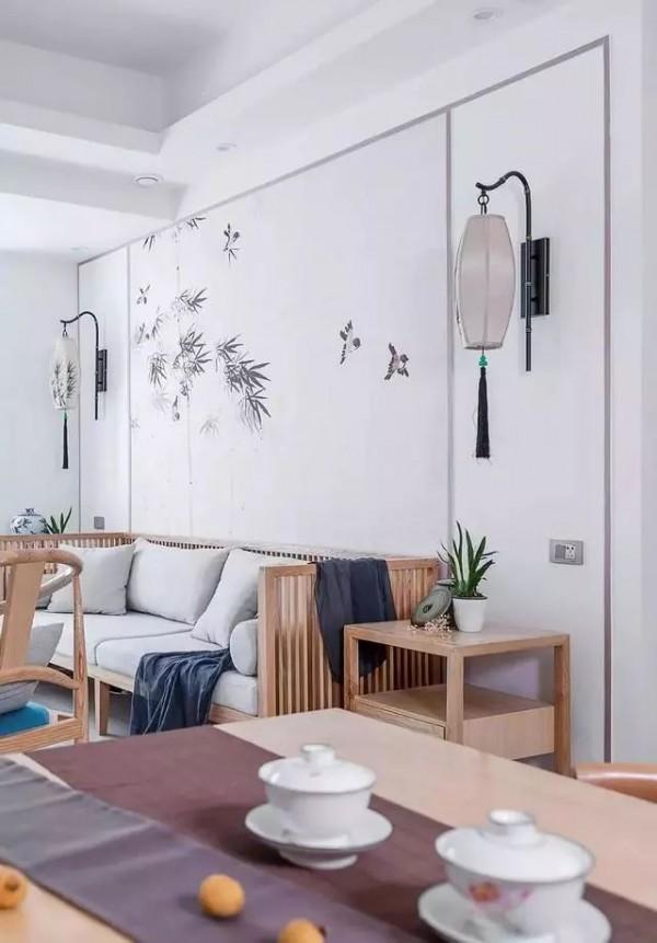 180㎡带庭院的中式原木风复式装修,客厅沙发背景墙太美了
