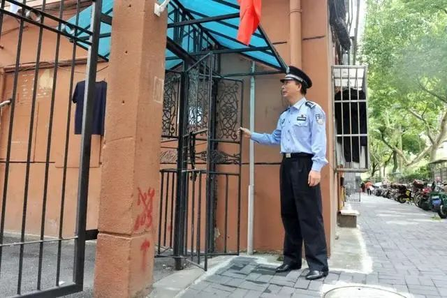 全国人民都好奇的上海小区旋转门,背后却隐藏着大秘密!