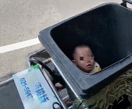 上海一妈妈和老公前妻当街争吵,竟把亲生儿子扔进了垃圾桶!原因居然是…