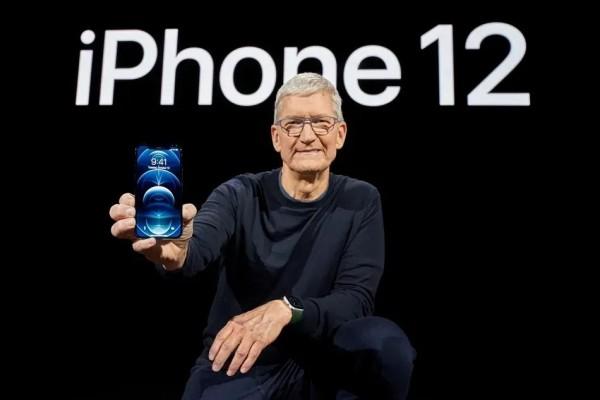 iPhone 12来了!居然不配充电器?网友疯狂吐槽!
