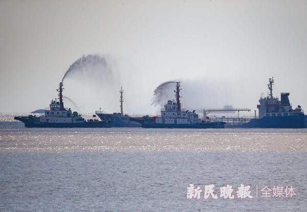 迎进博  增实力  上海港首次大规模危化品处置演习