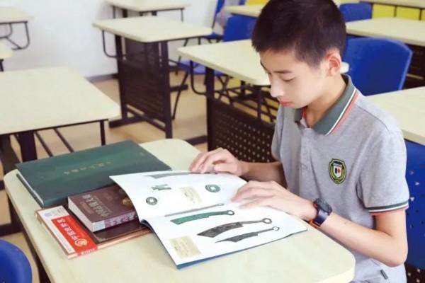 不得了!23万人点赞上海初中生,他发现了教科书中的这个错,关键人也帅~