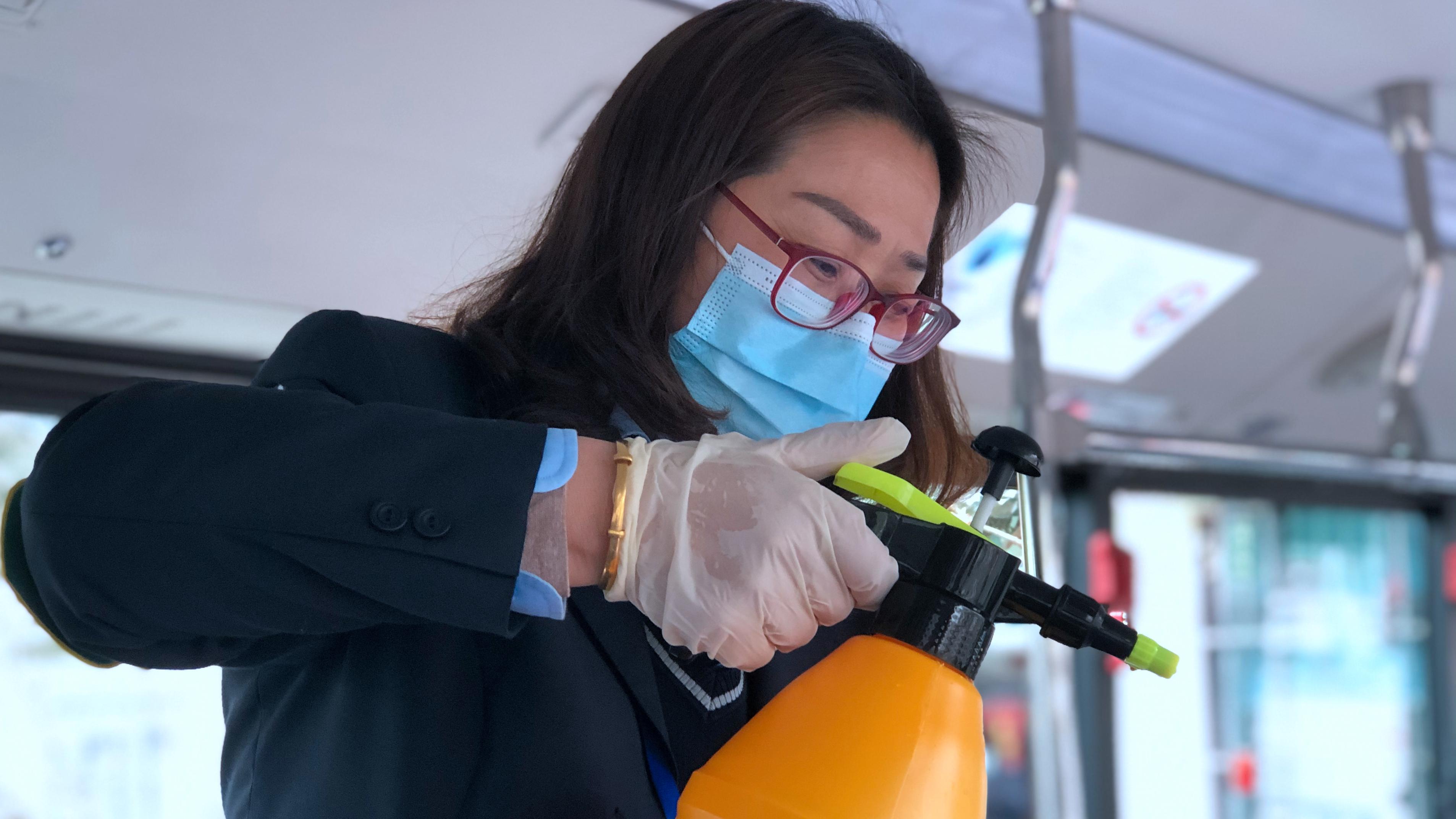 视频 | 口罩、手套、消杀一样不少!浦东公交疫情防控不放松