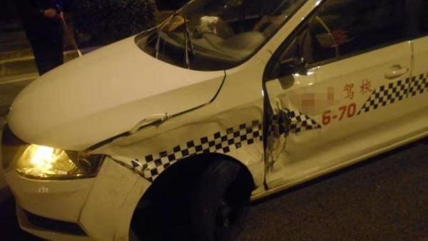 酒后驾车逆向行驶发生事故  车辆驾驶员竟然是驾校教练
