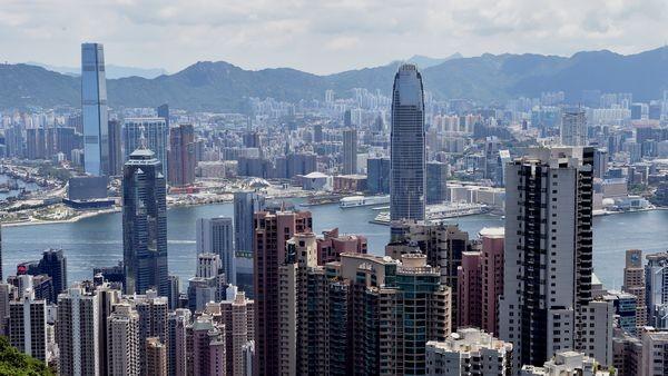 香港特区政府要求所有公务员宣誓或签署声明拥护基本法