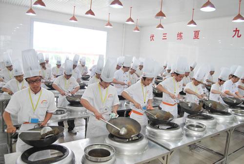 太牛了!上海华师大开炒菜课!八宝辣酱、咕咾肉…学烧菜给学分!