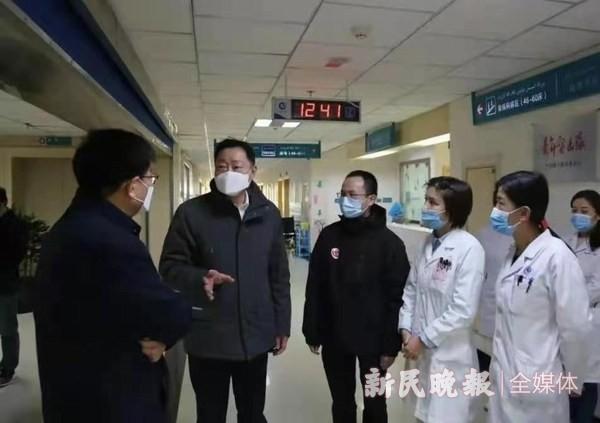 上海市第一人民医院代表团到喀什二院开展调研活动
