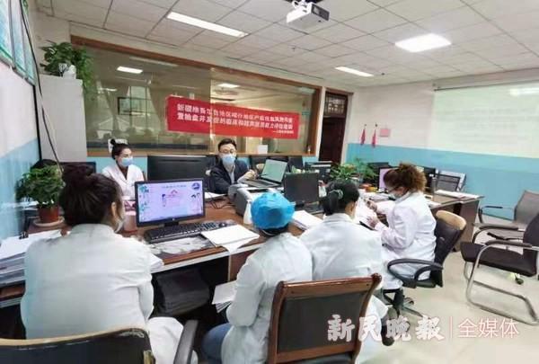 喀什二院产科团队赴四县开展技术项目推广活动