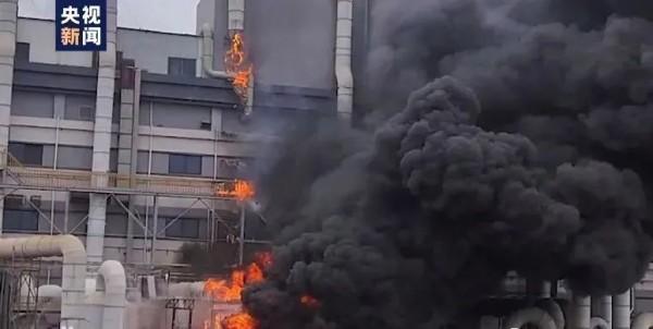 面对生死考验 逆行赴汤蹈火,上海消防员丰晨敏汤伟佳灭火救人中壮烈牺牲
