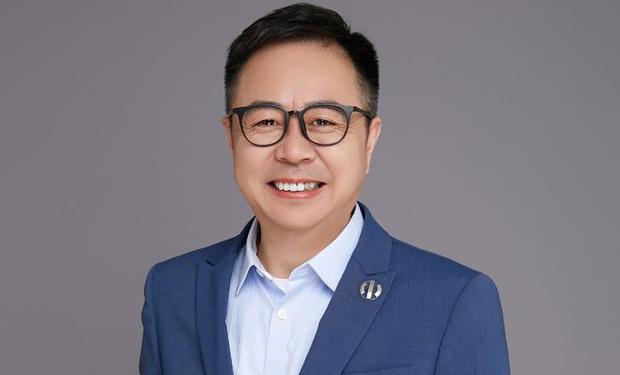 李峰加盟华人运通任联席总裁