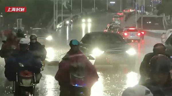 视频   乐动体育入梅首日强降水已至 暴雨雷电双黄预警高挂