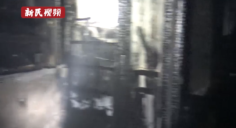 视频   乐动体育一居民楼深夜起火,疑因这个操作!夏天一定要注意了