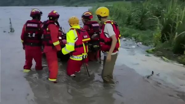 端午惊魂!81名上海游客被困洪水,探险?冒险?结果遇险…