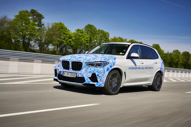 BMW氢燃料电池原型车开启实路测试
