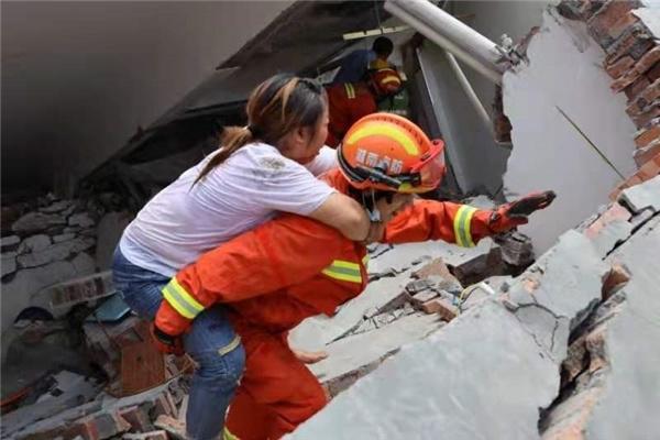 湖南郴州汝城县一民房垮塌 已救出8人