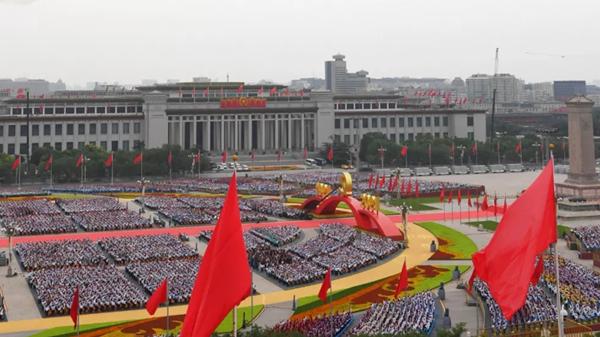 在这个特殊的日子,他们送上了祝福,更重新认识了中国
