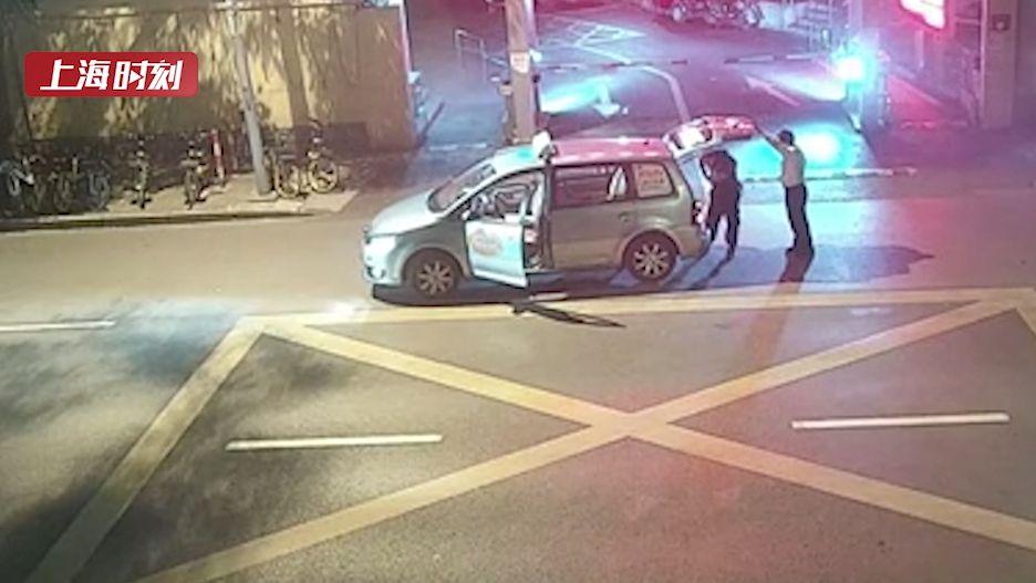 视频   离职保安自学偷窃技术窃取财物后潜逃 被闵行警方抓获