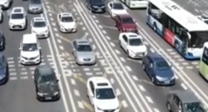 视频   拥堵预警!市区往崇明方向明后迎红色拥堵