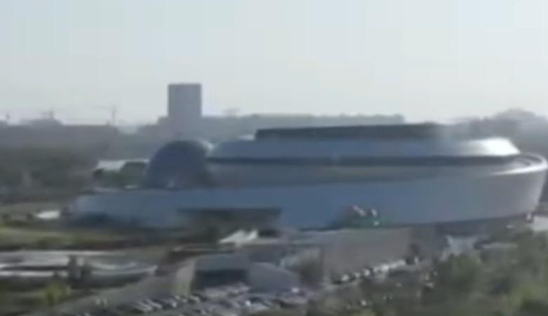 视频 | 长假尾声这个新城日均5万车流返程 来看看景区外的散场高峰