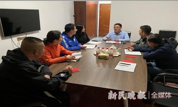上海援疆喀职院教师工作队开展组织生活会