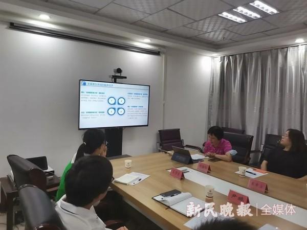 静安区统计与审计专家团到喀什巴楚县考察调研