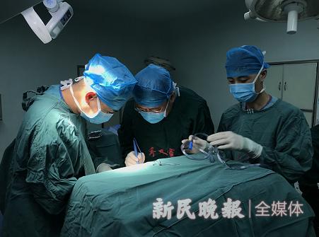 上海援疆医生在叶城县完成规范化甲状腺癌根治术